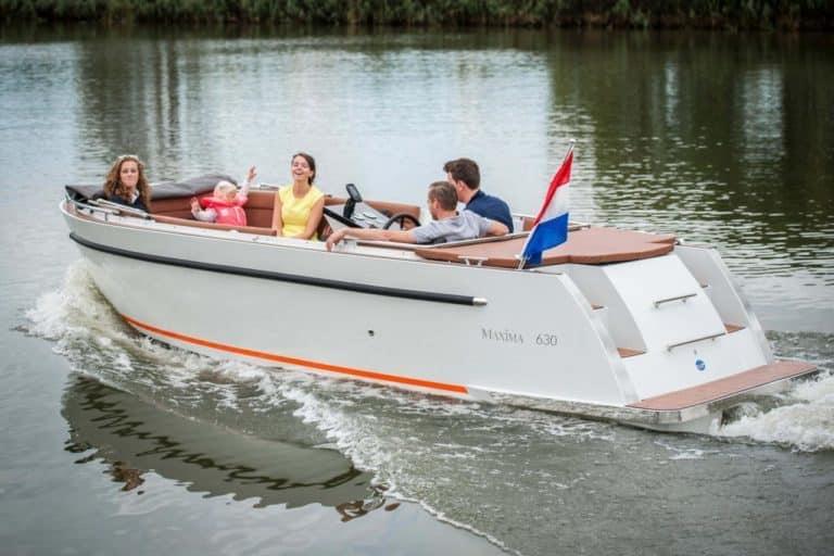 groep in Maxima 630 Bootverhuur Friesland | Genieten op het water