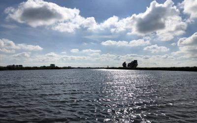 Mooie luchten boven het Friese water