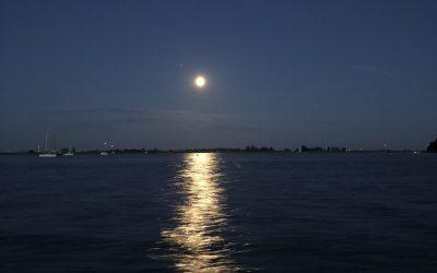 maan over het Heegermeer